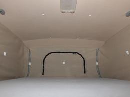 広々としたポップアップルーフベッド!就寝人数大人2名!180cm×100cm!
