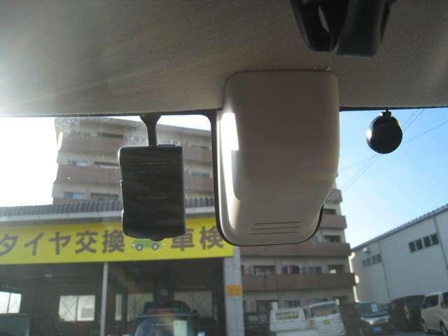 ヒヤッとした時も安心の追突被害軽減ブレーキ&ドライブレコーダー装備しております(^^♪