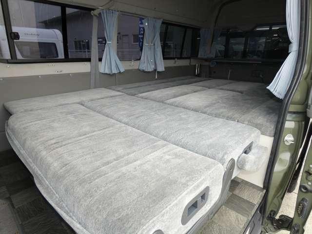 東海地区最大級の全天候型屋内ショールーム!!豊富な在庫量♪毎日がキャンピングカーショーで見て触って、ゆっくりとご覧いただけます。