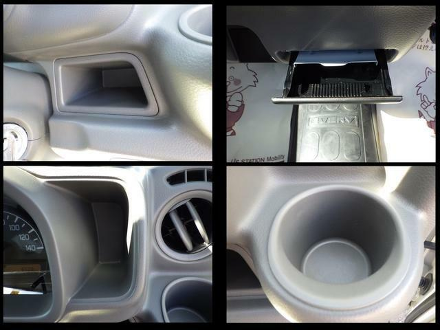 ドライブに便利な収納スペースを豊富に用意しています。ドリンクホルダーや小物入れなど豊富にあって便利です♪