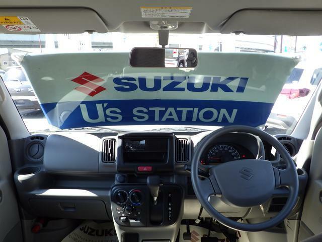 広いガラスエリアで明るく広い視界でドライブが楽しめます!視界も良好で安全運転にも繋がります!