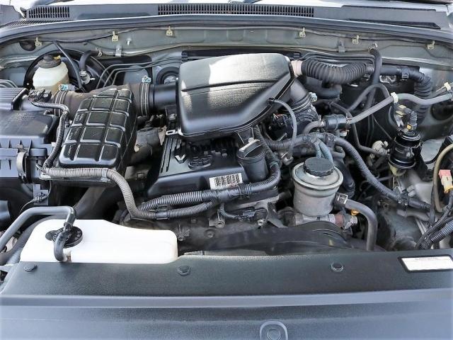 2700ccガソリンエンジン!タイミングチェーン式で維持するにもお財布にも優しい優れものです!