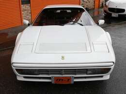 平成1年式(89y)フェラーリ328GTS!ヨーロッパ仕様!走行距離9000km!後期モデル!希少外装ビアンコ内装ロッソ!屋内保管車両!雨天未使用車!