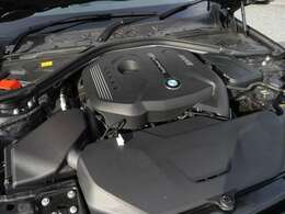 2000cc直噴BMWツインパワーターボ・ガソリンエンジン搭載モデル!燃費良好!環境性能に優れております!ツインパワーターボ化により、走行性能にも優れております!