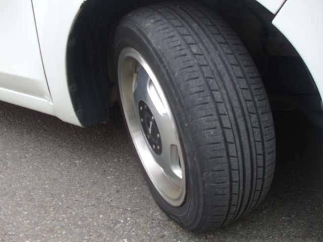 タイヤは前後共5分山有ります。