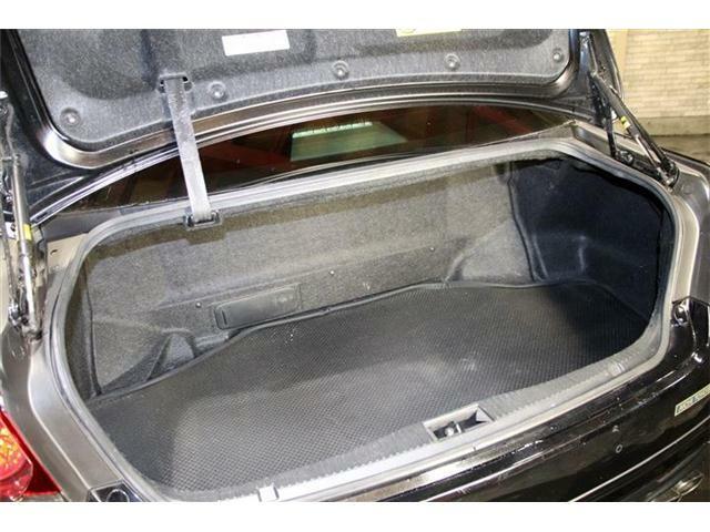 運輸局認証自社工場・自社ピットにはリフトを4機完備☆コンピューター自己診断機も保有しており、急な故障や事故・トラブルにも対応できる設備は整っております★代車も安心の4WDのAT車を常時ご用意してます♪