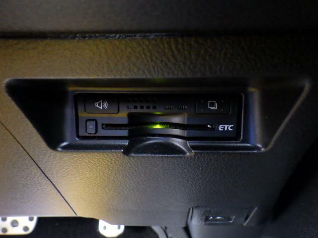 トヨタ純正ETC車載器が装着されています。