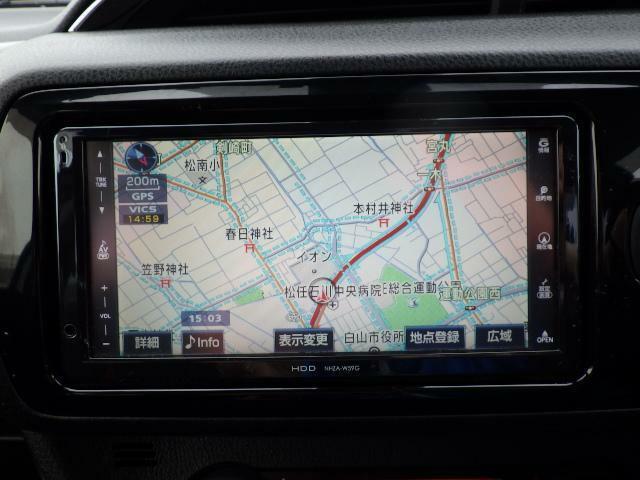 トヨタ純正HDDナビが装着されています。