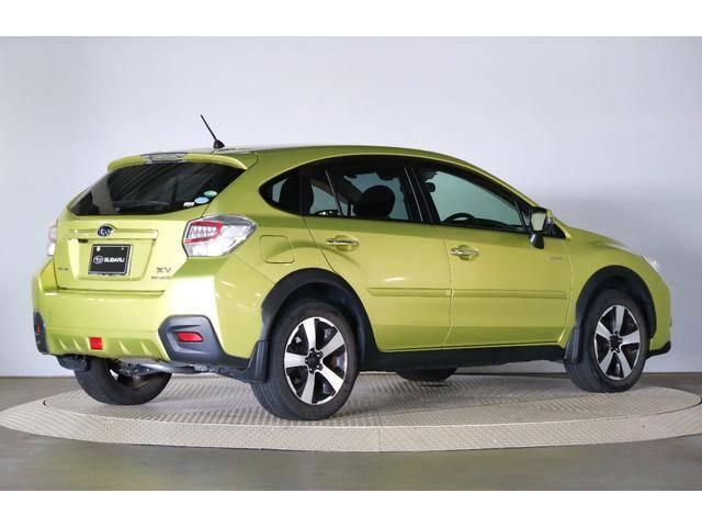 タイヤ新品交換予定です!ハイブリッド専用色の鮮やかなプラズマグリーン!アイサイト2搭載のXVハイブリッド☆HDDナビ・Rカメラ・ETC付き♪