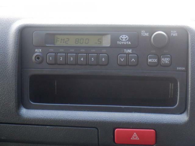 ラジオ付き。もちろんオプションでBluethooth対応ナビやバックカメラ、ドラレコ等取り付け可能です!お気軽にお問合せください。