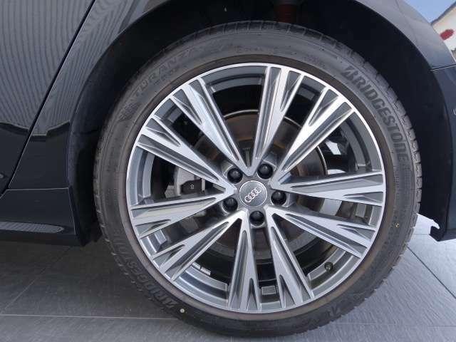 気になるお車はぜひお問い合わせください。Tel:080-7797-1237 audi.k.hiroe@gmail.com 以上までお願い致します!