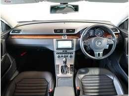当社買取1オーナー車両です!内外装とてもキレイな一台!