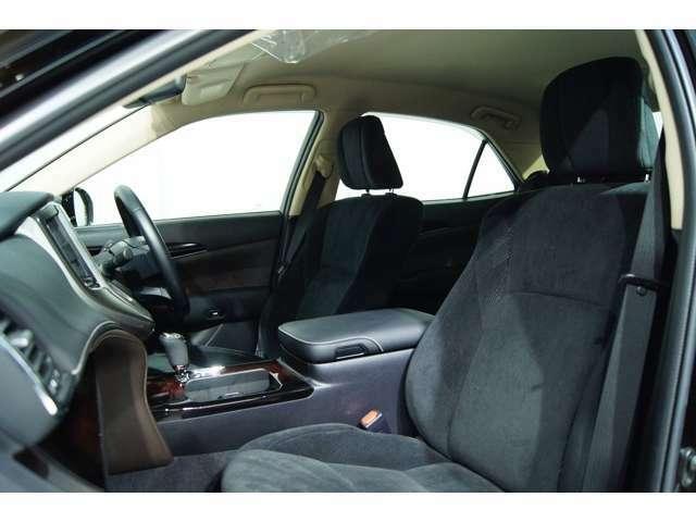 室内人気のブラック!別途費用にて革調専用シートカバーもご用意しております!