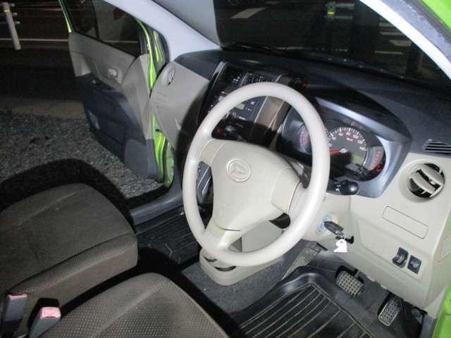 保障付、2年間の車検費用が含まれています。在庫率95%以上です。