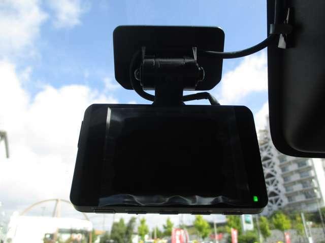 万が一のトラブル時にあると便利なドライブレコーダー付!!