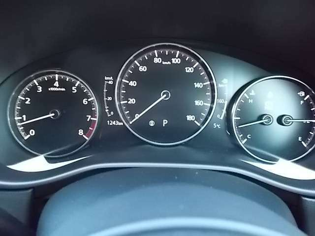 7インチマルチスピードメーター シンプルで視認しやすいです