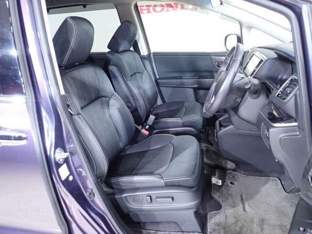 ゆったりとした乗り心地の大きめのシートは、タッチも柔らかく質感も高いです。