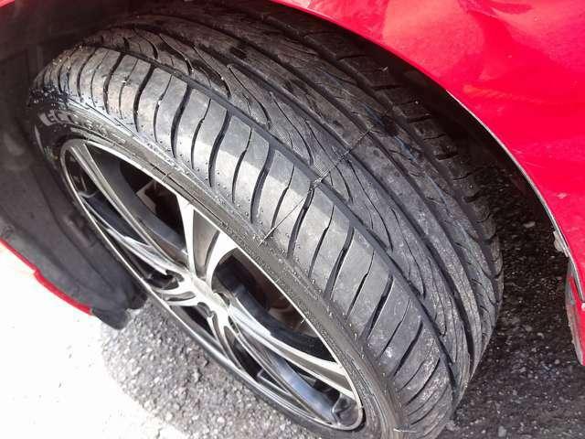 18インチのタイヤも昔に比べればお値打ちになってきましたが、今回は4本とも新品ですので当分心配御無用☆