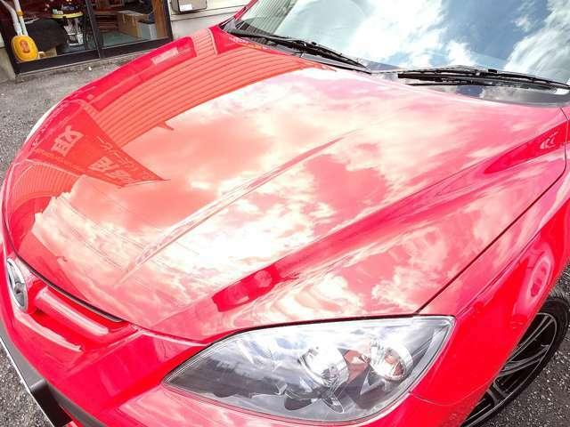 劣化の出やすい上面も、御覧の鏡面状態☆ここまで綺麗な塗装面をキープしているお車はなかなか出てこないレベルかと思います☆