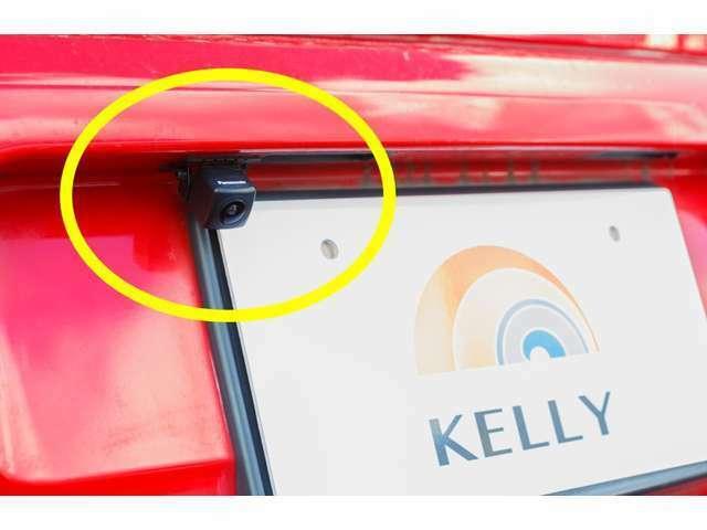 Bプラン画像:車庫入れや縦列駐車が苦手な方にオススメなのが「バックカメラ」です!後方の人や障害物を液晶ディスプレイにて確認する事が出来ます♪安心安全の為にいかがでしょうか♪