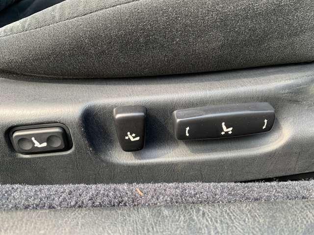 ★運転席助手席パワーシート付きです♪