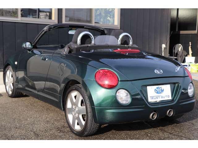 安全機能として、デュアルエアバッグ、衝撃感知安全システム、プリテンショナー&フォースリミッター付きシートベルト、EBD&ブレーキアシスト付ABSを装着する。