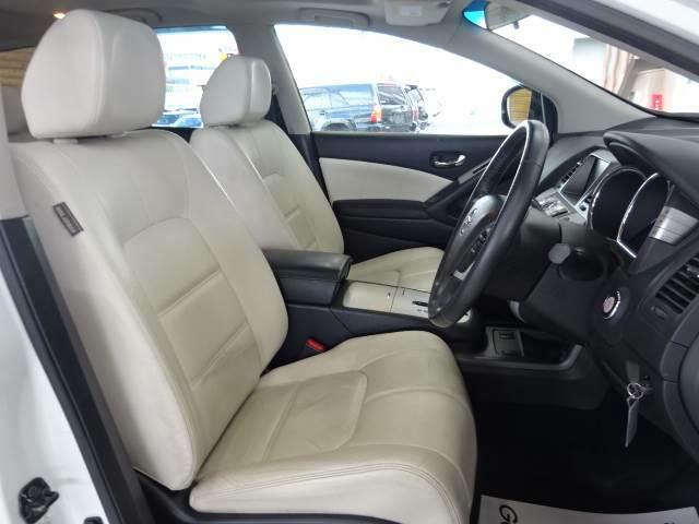 特別仕様車のモードビアンコ。ホワイトレザーシート搭載。