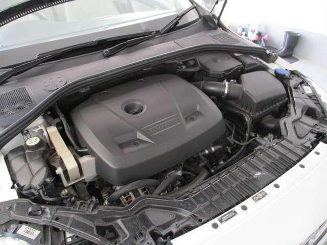 俊敏さとゆとりを両立した、直噴ガソリンターボエンジン搭載