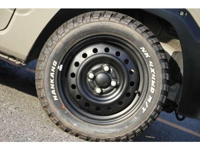 ヴァンガードお勧めのマッドタイヤ新品&黒てっちんスタイル! マッドタイヤは純正よりひと回り大きいサイズです!リフトアップ効果でスタイルもUP!