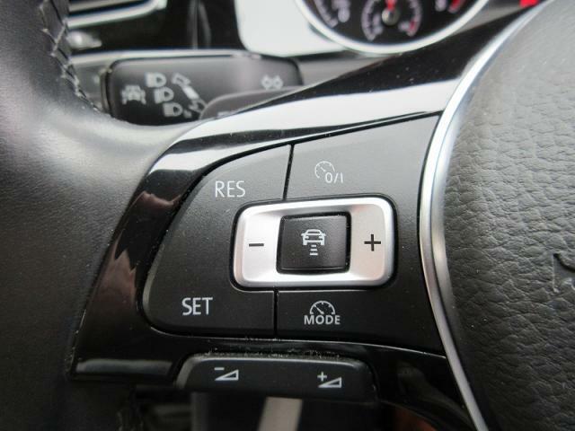 ACC(アダプティブクルーズコントロール)さらに、レーンキープアシストシステムや、渋滞時追従支援システムで、一定の車間距離を維持したり、ステアリング操作をサポートします。