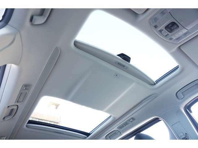 ★【ツインムーンルーフ】開放感溢れるドライブがお楽しみ頂けます!!★