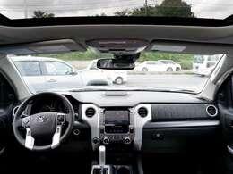 プッシュスタート フロアシート パートタイム4WD サンルーフ パワーシート シートヒータークーラー 電動格納ドアミラー ブラインドスポットモニター コーナーセンサー