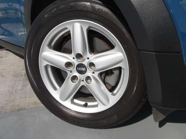 205/55-16 タイヤ4本新品に交換します。アルミホイル1本に傷有り。