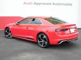 アウディ認定中古車の規定により、修復車などの低品質車や改造車など、一切ございませんので安心です。