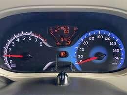 走行距離51027kmです、ディーラー下取り車ですのでとても安心です、タイミングチェーン式エンジンですので10万km毎のタイミングベルト交換は必要ありません、安心して乗っていただけます。