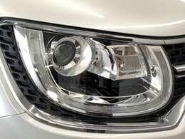 LEDヘッドライトを装備。視認性の良さだけでなく、省電力、耐久性の向上等のメリットもあります。