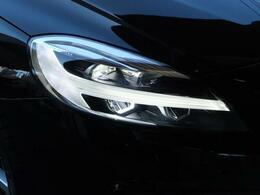 ◆LEDアクティブヘッドライト『北欧神話のトールハンマーをモチーフにしたデザインが採用され、洗練されています。オートマチックハイビーム、AFS機能も備えセーフティドライブをアシストします。』