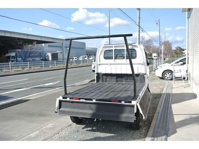 狭い路地、縦列駐車もスムーズな小回りの良さ!
