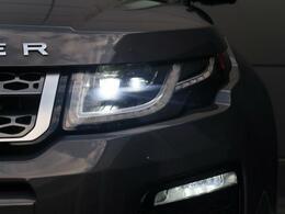 スタイリッシュなデザインのLEDヘッドライト!明るい光で視認性も良く、夜間や雨の視界が悪い時でも安心してドライブできます!