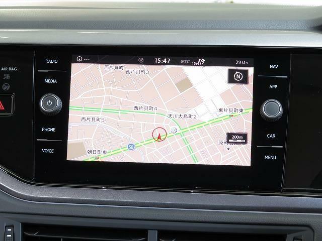 """Volkswagen純正インフォテイメントシステム""""Discover Pro"""":従来のナビゲーションシステムの域を超える、車両を総合的に管理するインフォテイメントシステムです。"""