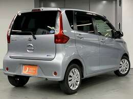 【軽パーク】は、南大阪最大級の在庫数! 国内オールメーカーの軽中古車を常時150台取り揃えております!