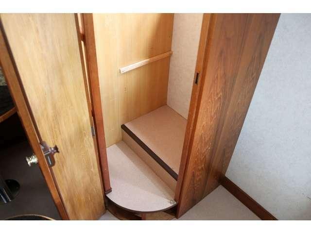 ポータブルトイレも設置可能なスペースです☆収納にも便利です☆