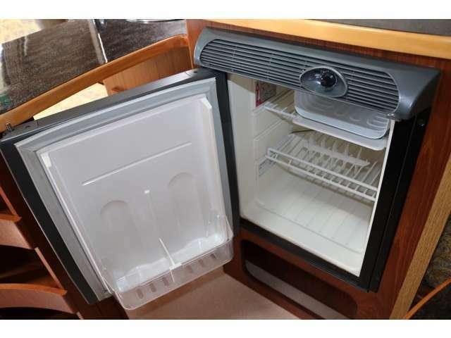 冷えの良好なDC冷蔵庫☆大容量40Lの冷蔵庫☆