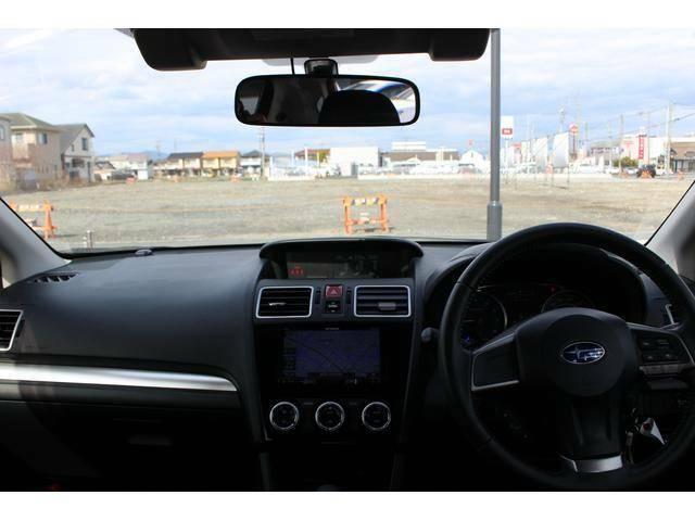 【コックピット】オーソドックスなデザインのインパネ周り。運転しやすさが安全運転につながります。先進機能やナビ等につきましては、ご納車の際にしっかりご説明させて頂きます!