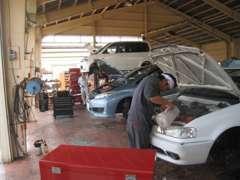 中部運輸局指定整備工場(中指第8438号)完備!!メンテナンス、車検、修理、何でもお任せください!