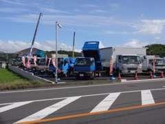 2t・3t・ダンプ・クレーン付き・冷蔵・冷凍車・高所作業車などなど・・・ 様々なタイプの良質トラックを品揃えしています☆