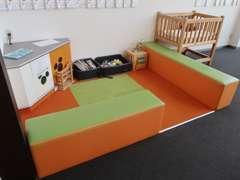 キッズコーナーも充実のスペースをご用意しております。お子様連れでも安心して頂けます。