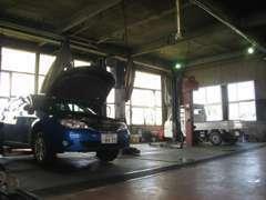 運輸局指定工場完備ですので、車検・整備はお任せください!