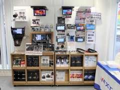 ナビゲーションやフリップダウンモニター、ドライブレコーダー等様々な用品の取り扱いも御座います♪