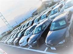 軽自動車・ミニバン・コンパクト・ハイブリッド車を中心に常時130台以上展示中!